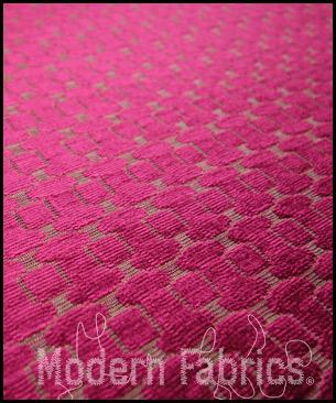 Bernhardt Textiles Vibe  : Fuschia